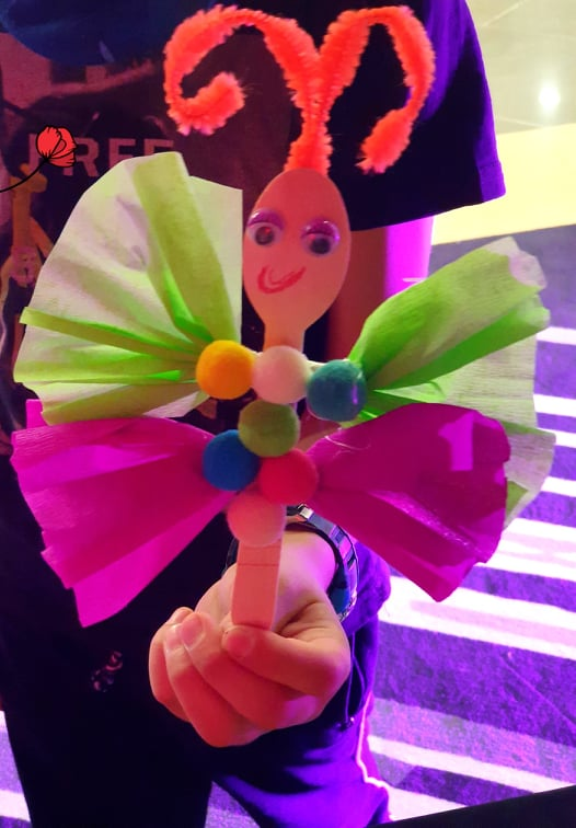 Пеперуди-елфи и цветя-1